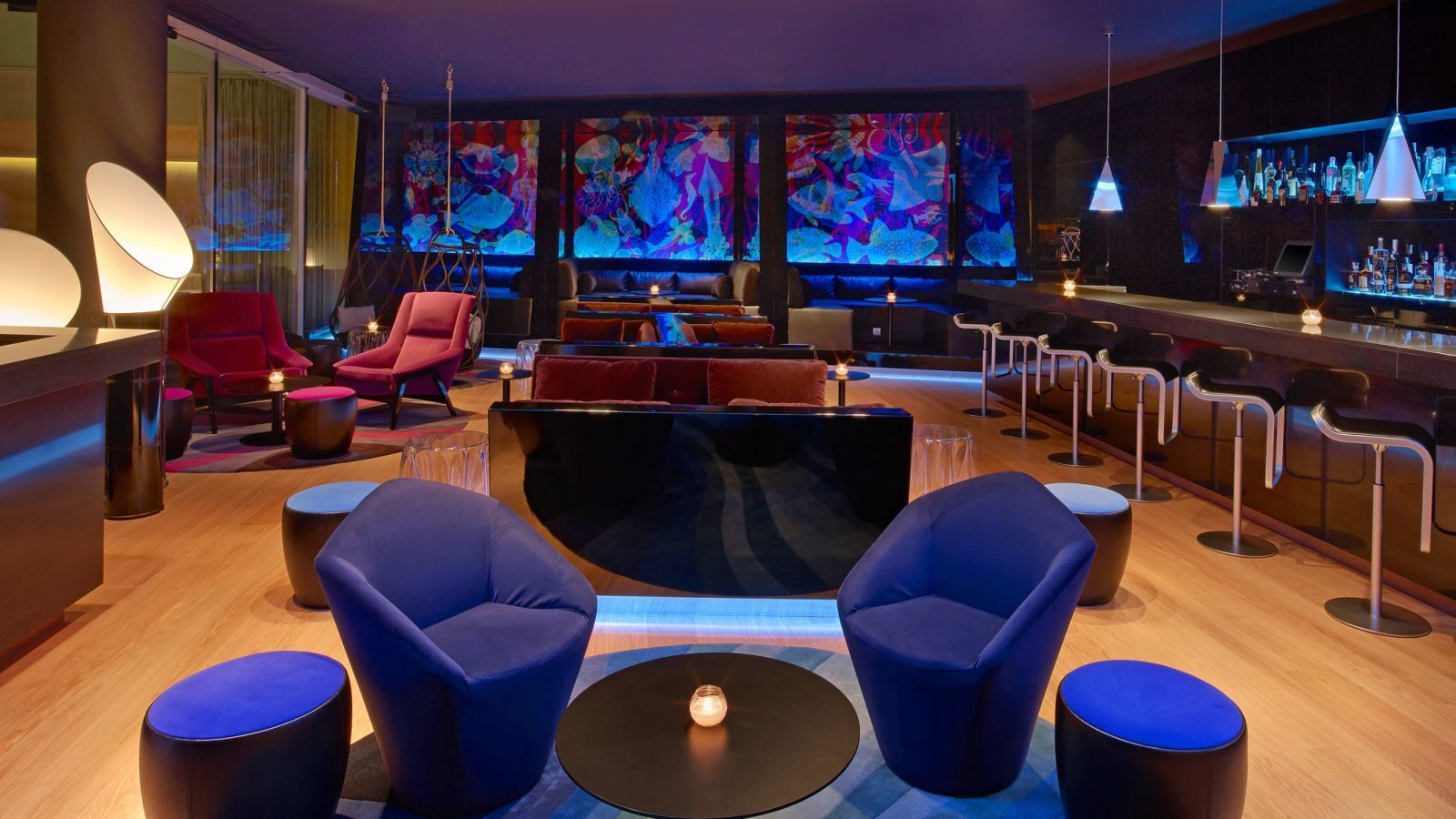 W hotels barcelona w barcelona w lounge best rates for Lounge area ideas