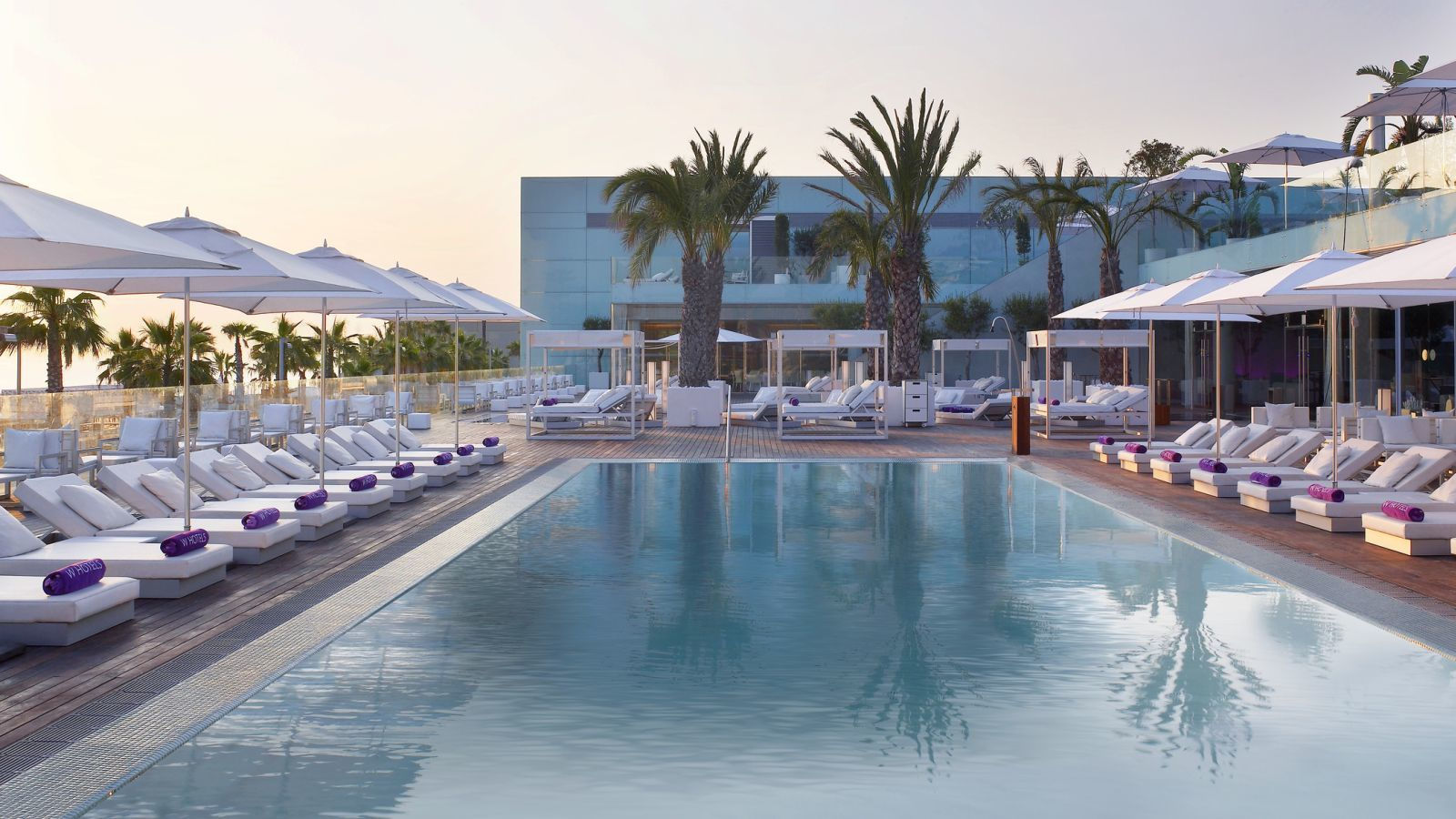 W hotels barcelona w barcelona wet bar mejor tarifa for Piscine w barcelone